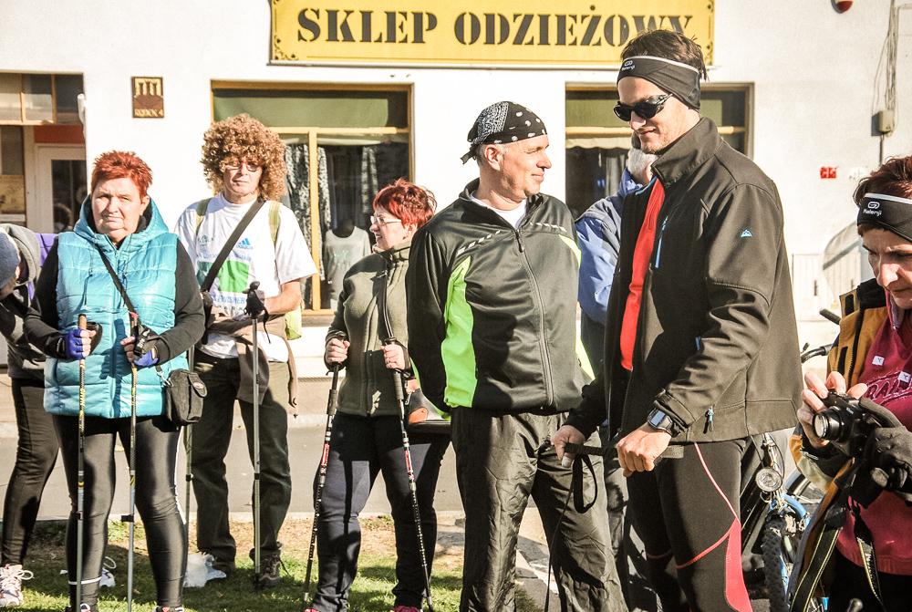 IX ZŁAZ KIJKARZY - Stowarzyszenie Kaźmierz - 2015-10-11 - fot. Majka Porzucek-Miśkiewicz